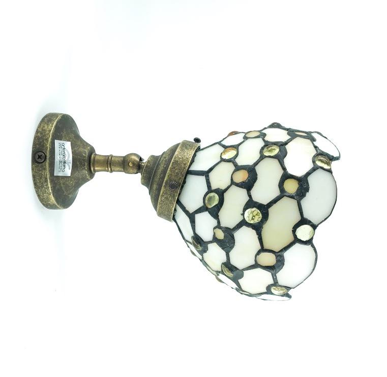 Applique con coppetta paralume  in vetro Tiffany con gocce bianche