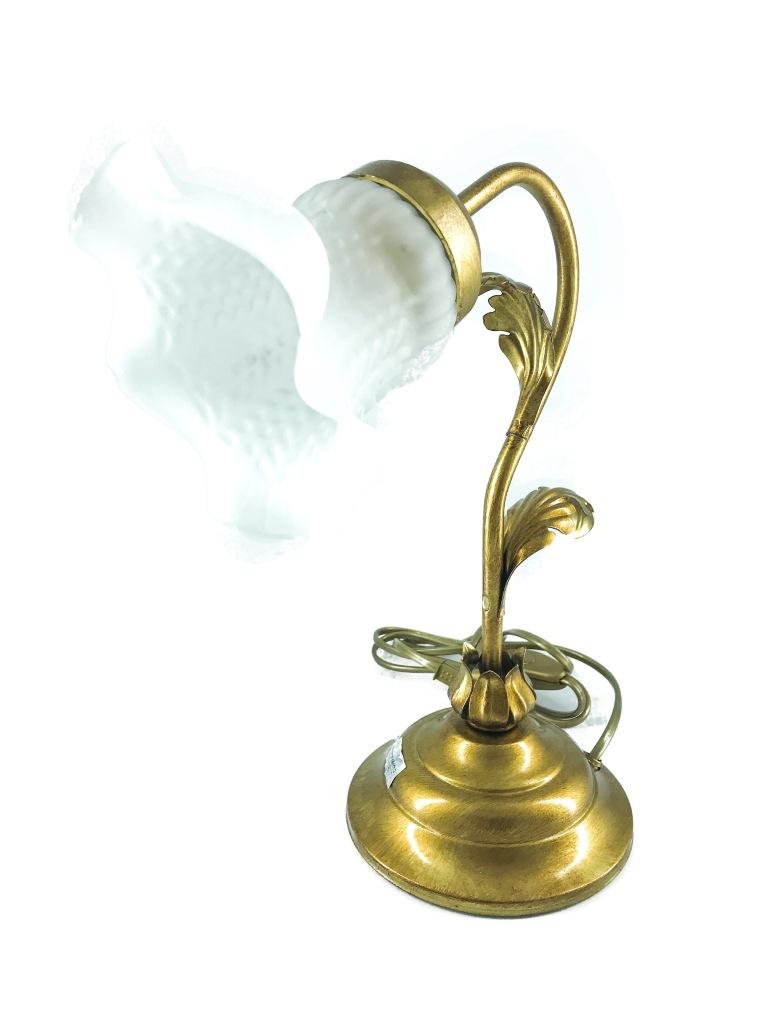 Lampada per comodino in ferro dorato foglia acanto