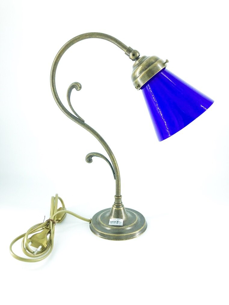 Lampada da tavolo doppio riccio ottone con vetro blu