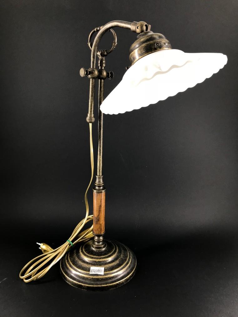 Lampada da tavolo regolabile in altezza con piattino in ceramica