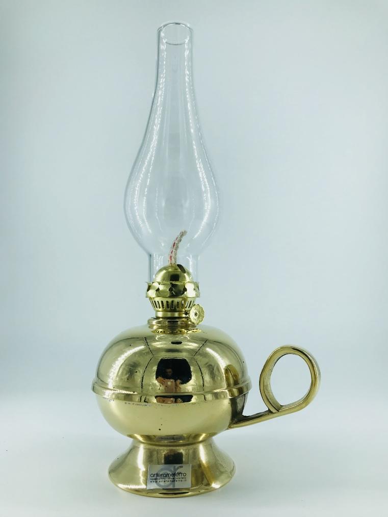 Lume a petrolio in ottone lucido con vetro trasparente
