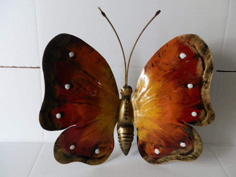 Farfalla da 40 cm in ferro colorata a mano