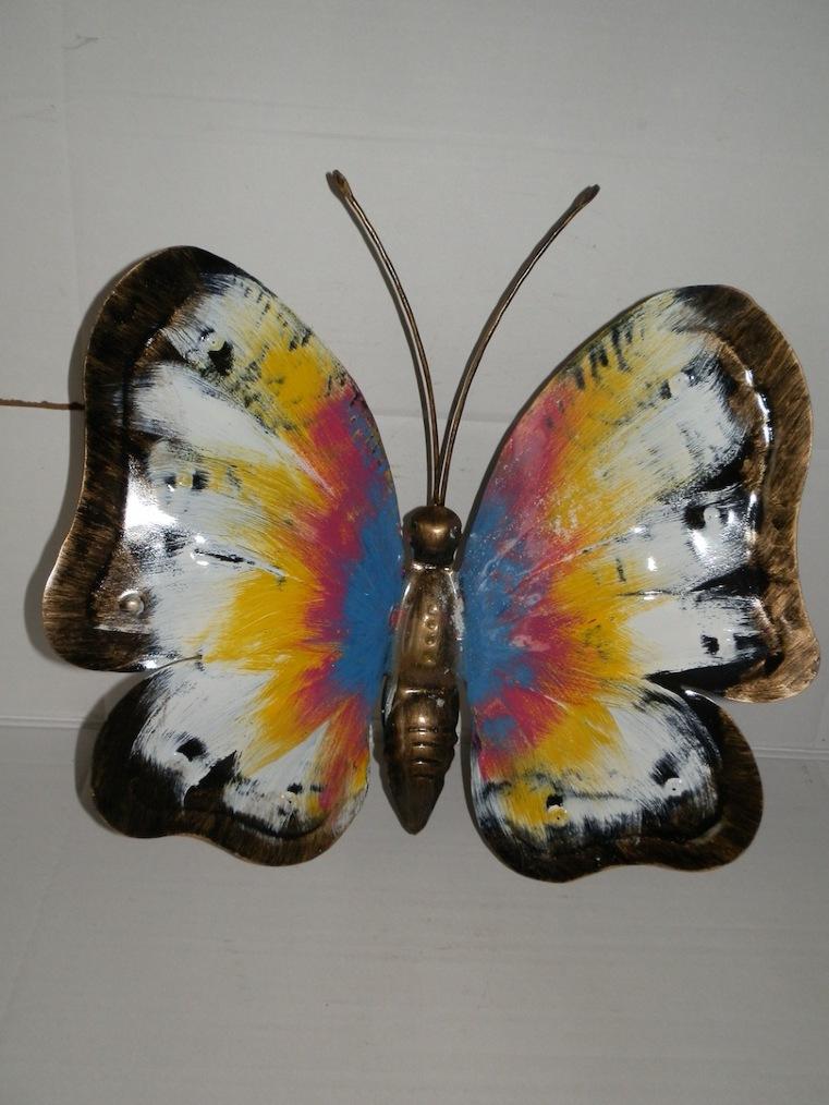 Farfalla da 40 cm in ferro dipinta a mano