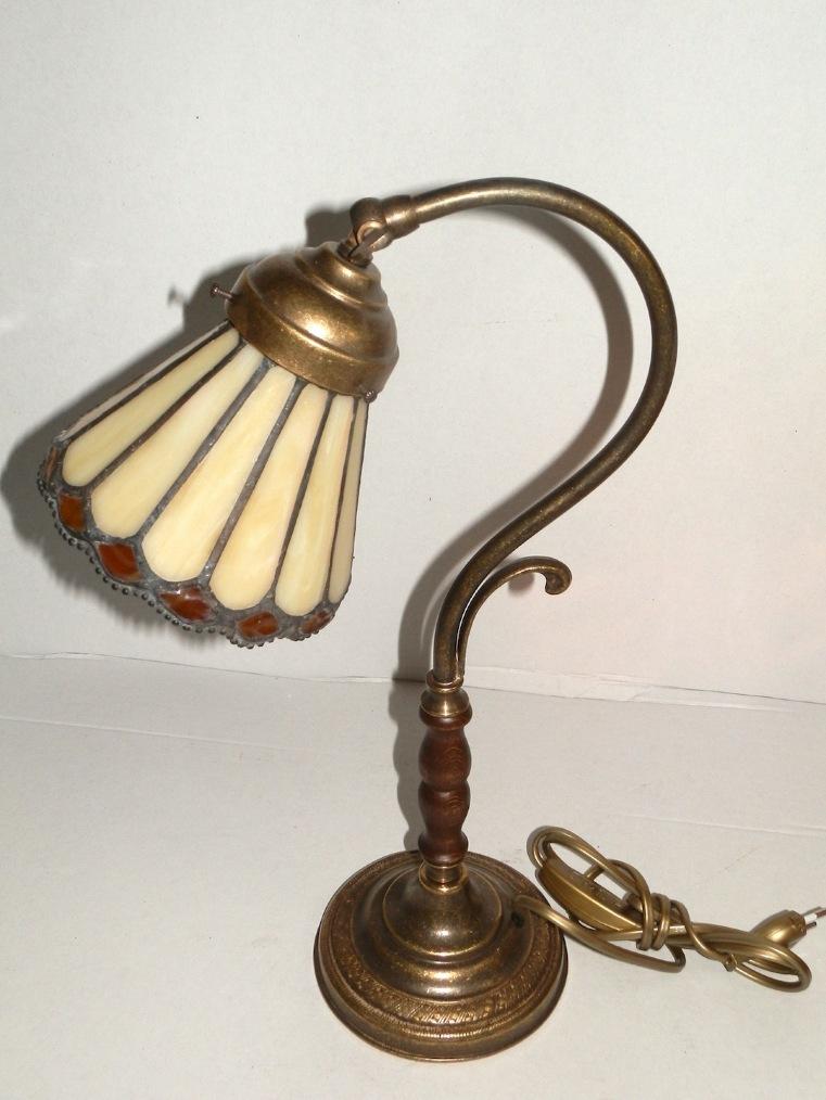 Lampada da tavolo in ottone abat-jour vetro tiffany ocra
