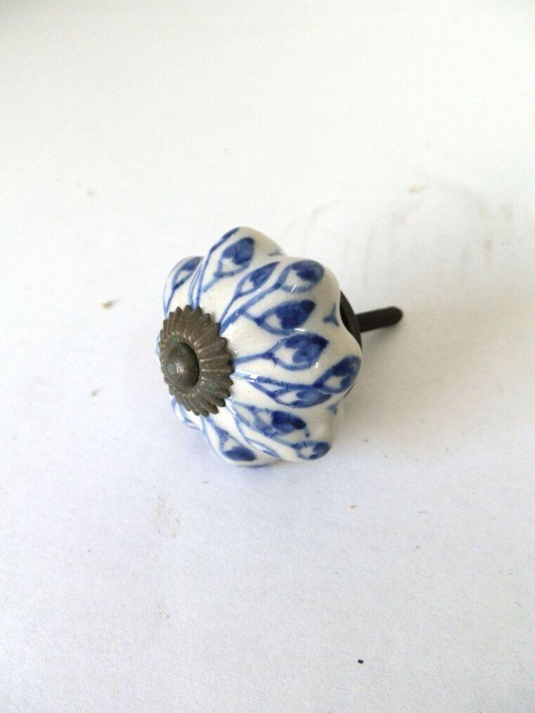 Pomello maniglia in ceramica decorata per mobili antichi